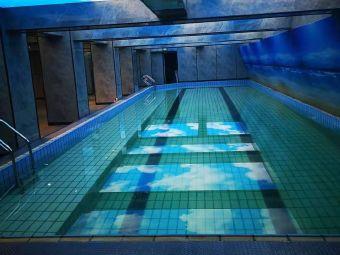 阳光国际游泳健身