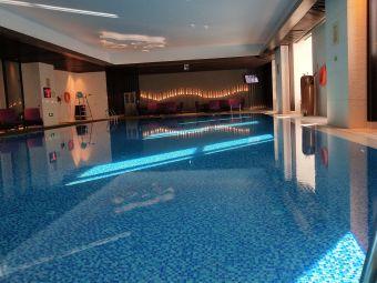 万达文华酒店游泳池
