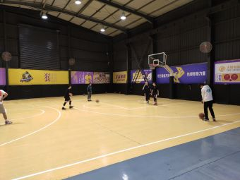 LA篮球公园
