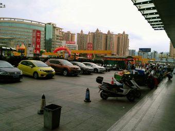江门义乌小商品批发城停车场