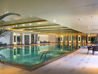 海口香格里拉大酒店康体中心游泳池