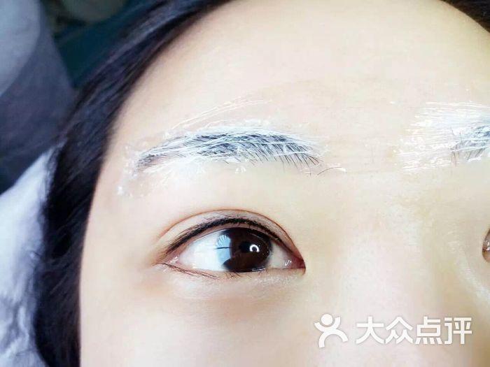 手绘纹绣人脸图片
