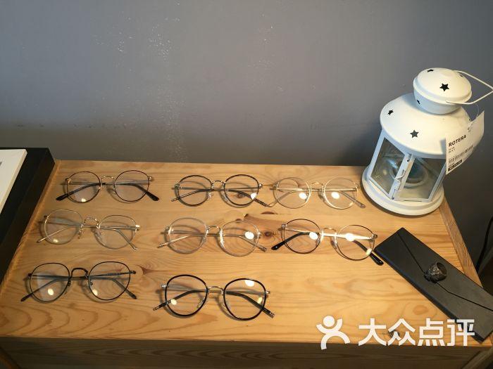 aura眼镜工作室摆设图片 - 第99张
