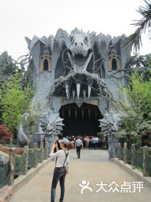 中华恐龙园 貌似是鬼屋大门图片 常州景点