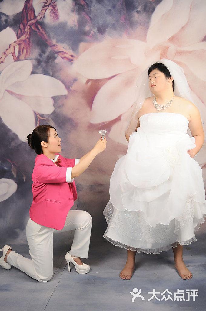 小薇 婚纱摄影_小薇婚纱摄影写真婚纱拍摄