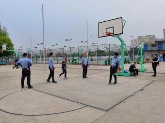 体育中心篮球场