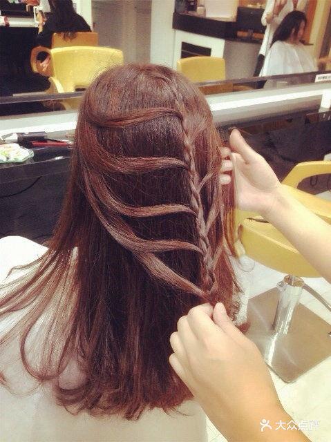 李林老师编头发
