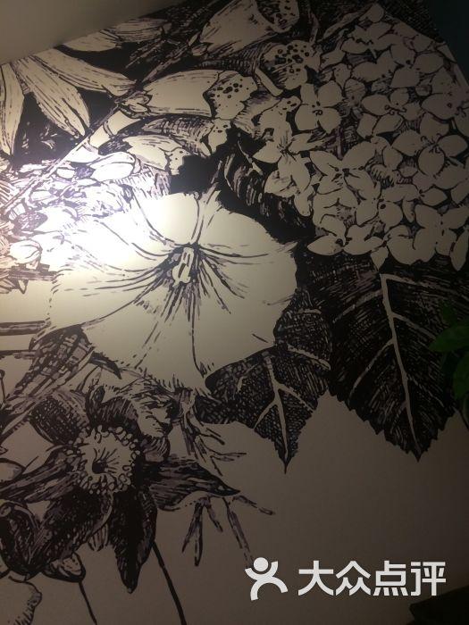 日式雨伞海报素材手绘