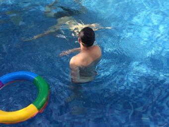 跨越体育(蓝山郡游泳池)