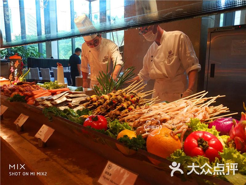 济南喜来登酒店盛宴自助西餐厅大堂图片 - 第2张