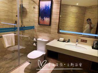双月湾享海亚投国际酒店游泳池