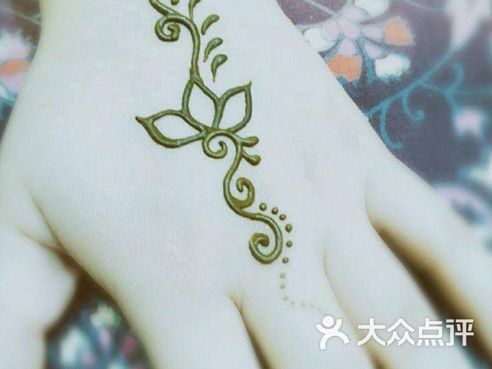 赋美·印度海娜手绘纹身(中贸广场店)图片 - 第1张