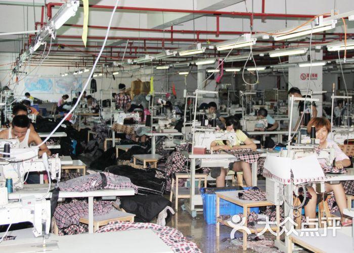 速写服装厂工厂车间图图片 - 第1张