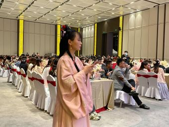 龙湖镇青少年活动中心