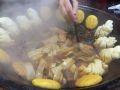 另一锅加了排骨,标准配菜有干豆角,茄子,宽粉,贴饼子(贴花卷),鱼肉超