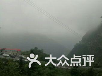 西安旅游秦岭奥莱小镇