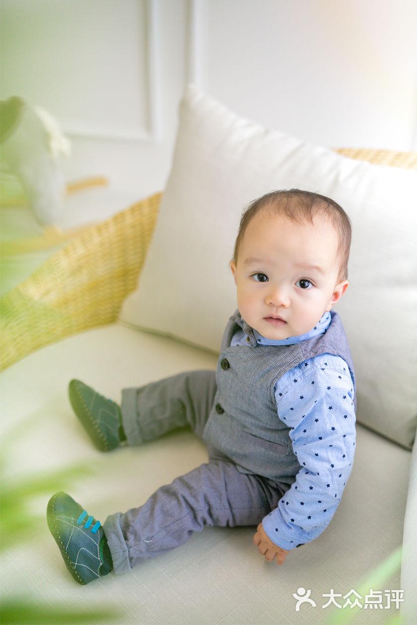 宝宝 壁纸 儿童 孩子 小孩 婴儿 840_1260 竖版 竖屏 手机