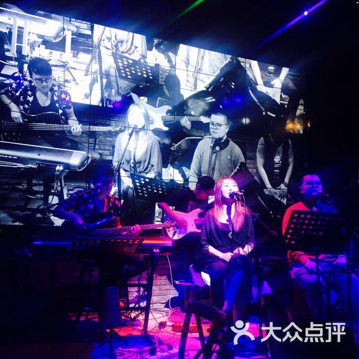 胡桃里音乐酒馆-图片-青岛美食-大众点评网