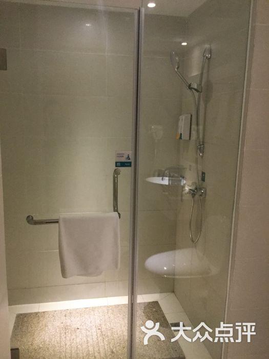 厕所 家居 设计 卫生间 卫生间装修 装修 525_700 竖版 竖屏