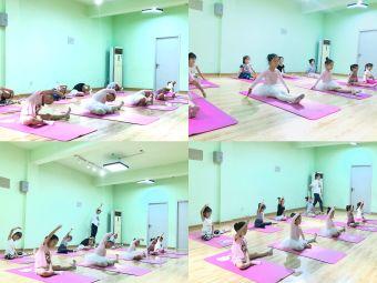 燕语舞蹈学校