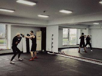 老胡的拳击工作室