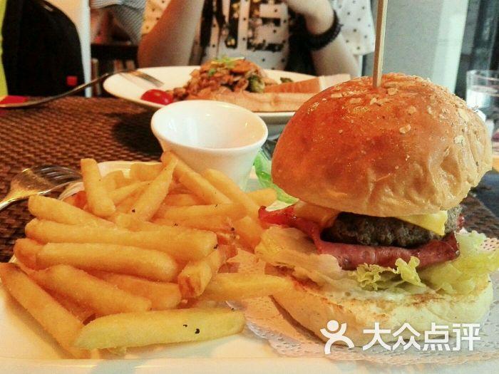 遇见西木美式餐厅-牛肉培根汉堡图片-厦门美食-大众