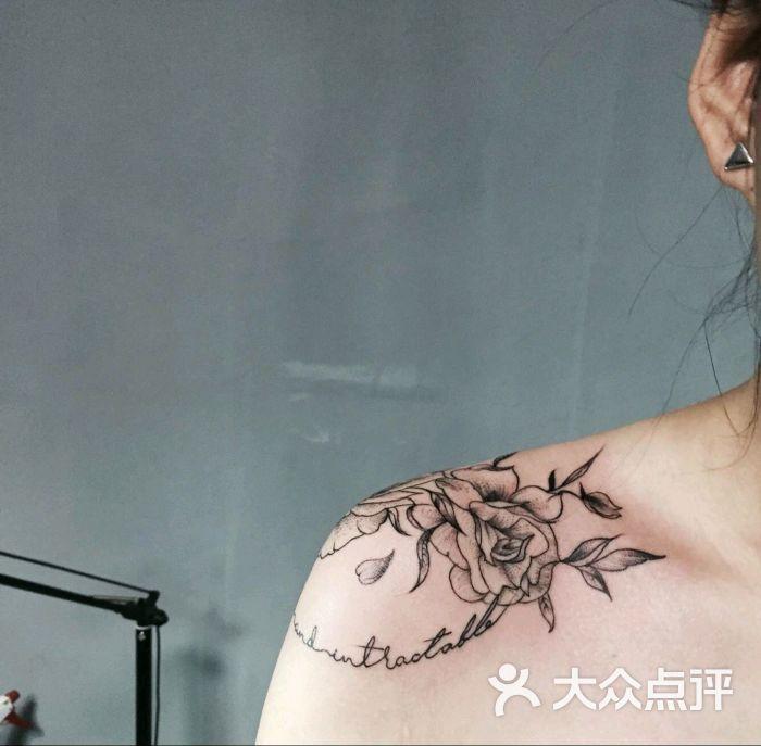纹身手绘线条妲己