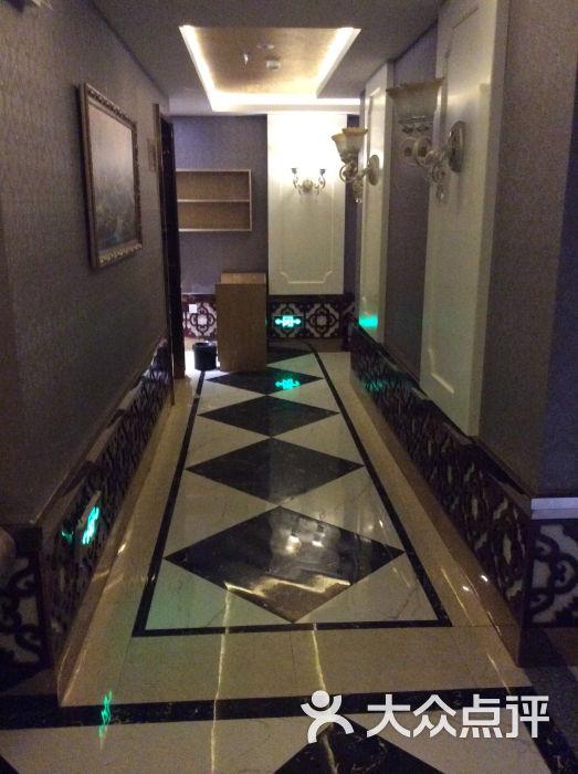 木桶浴单间走廊
