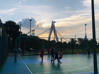 柳州城中体育园