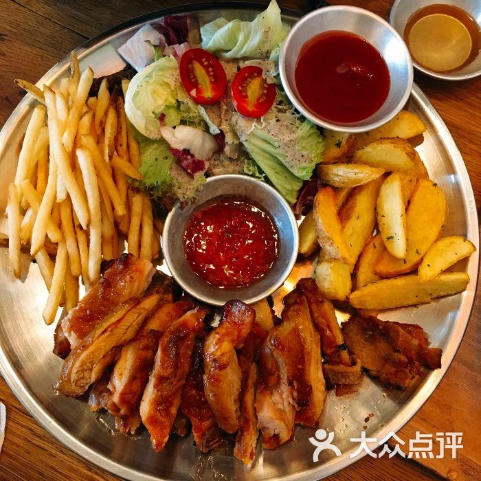 烧烤拼盘                 吃遍广州的小可爱           ben_9382