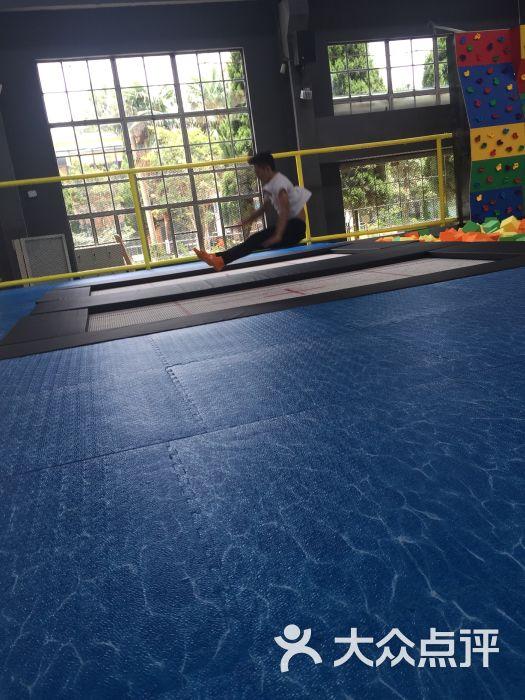 跃客蹦床公园jump land图片 - 第8张图片