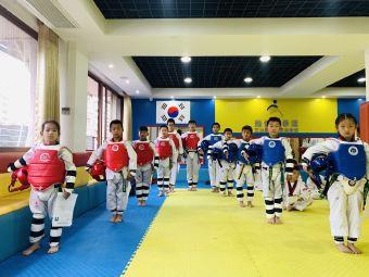 劲仁国际跆拳道教育
