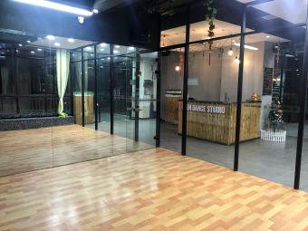 伊甸园舞蹈工作室
