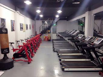 名人健身会馆