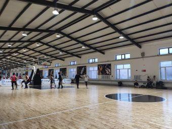 路人王·东体篮球馆