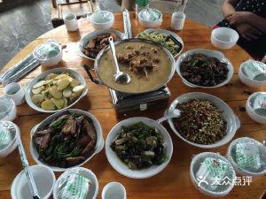 坐龙峡红枣园农家乐