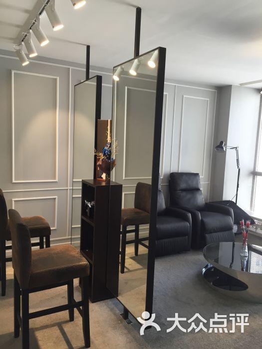 家居 起居室 设计 装修 525_700 竖版 竖屏