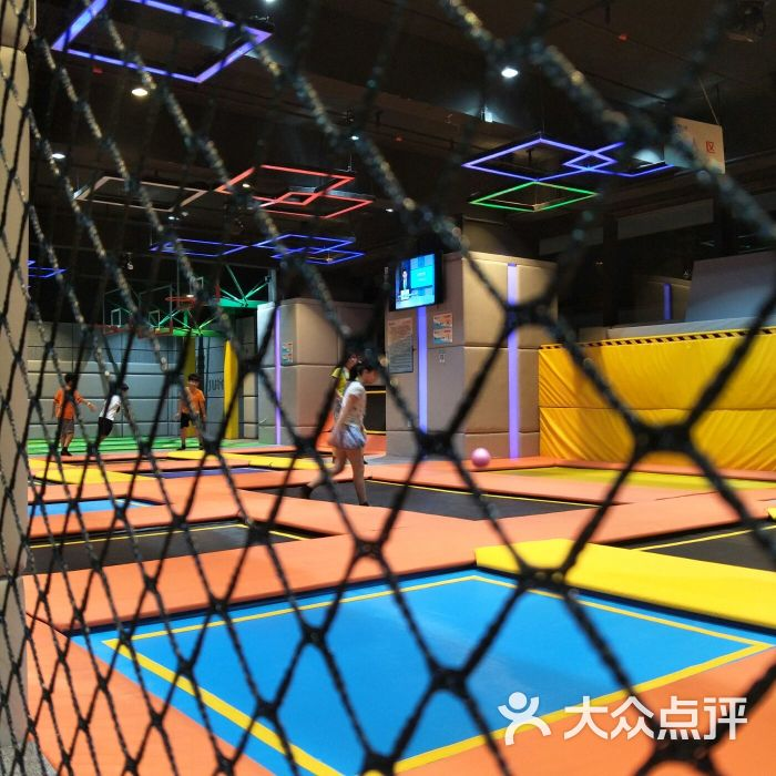 反弹蹦床公园图片-北京儿童主题乐园-大众点评网图片