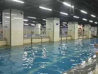 三不澡堂游泳馆