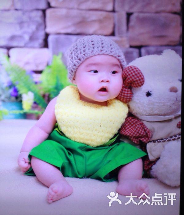 萌摄影创意儿童写真(宝山大华店)