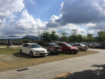 海南热带海洋学院-停车场
