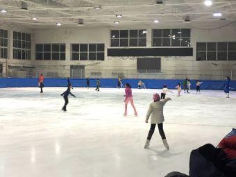 哈尔滨东海滑冰俱乐部