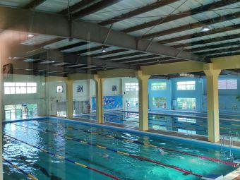 季候风游泳训练馆