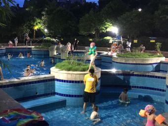 康桥长郡游泳池
