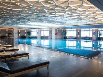 乌鲁木齐希尔顿酒店游泳池