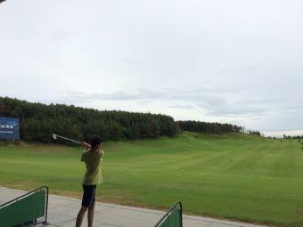 鼎龙吉兆湾高尔夫球会