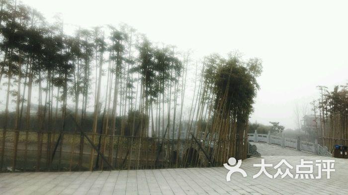 洛阳灵山莲花温泉度假区