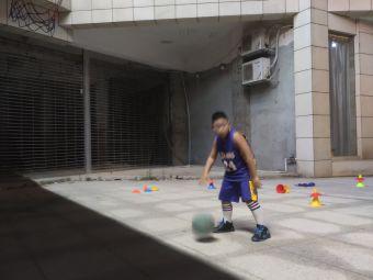 万象城篮球培训