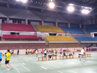 李宁体育馆