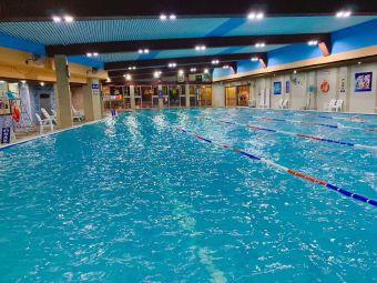 777温泉游泳池